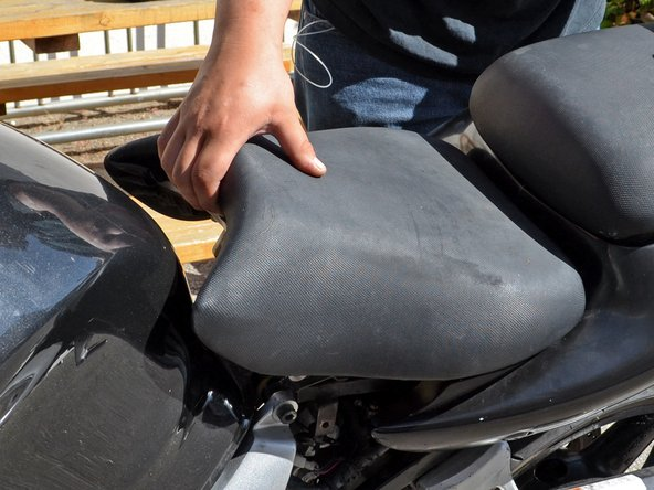 1999-2002 Suzuki SV650 Seat Replacement