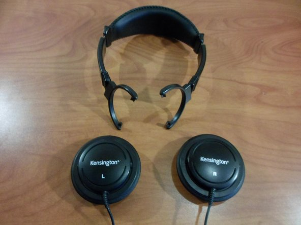 This picture shows the headphones with the speakers detached. Steps 1 and 2 are not necessary to replace the headband covers, however they do make the process easier.
