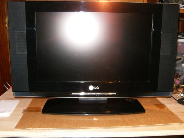 This is the LG 17LX1R that will no longer turn on.