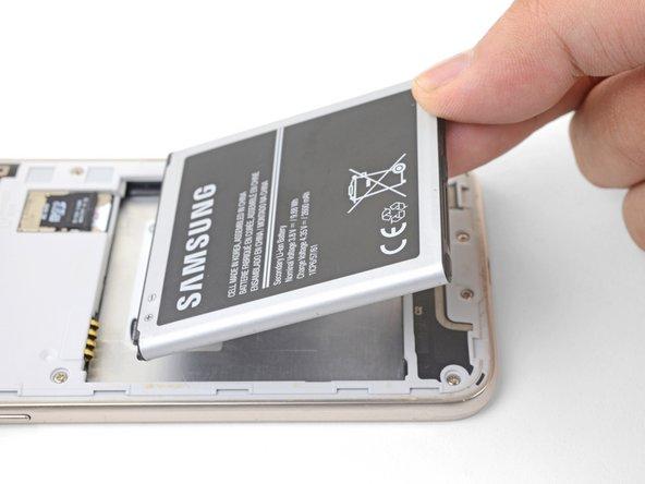 Reemplazo de la batería del Samsung Galaxy J3 (2016)