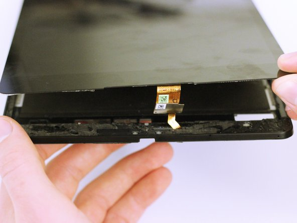 Do this for every corner of the tablet until it is possible to pull the LCD from the display assembly with your finger.