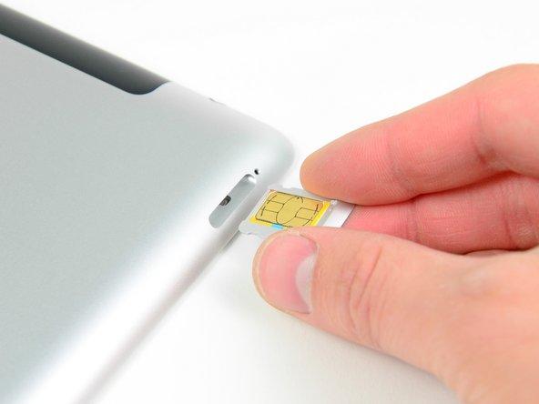 Wenn nötig kannst du jetzt die SIM Karte herauslösen und austauschen.