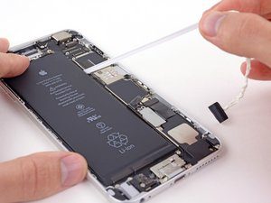 Fix Your iPhone Battery Yourself (All the Cool Kids Are Doing It)