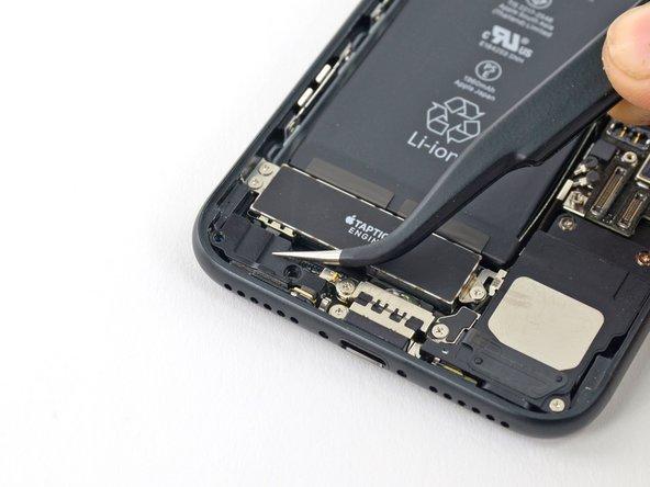 cVUtVN1XxJXfBb5v - iPhone 7 Batterij vervangen