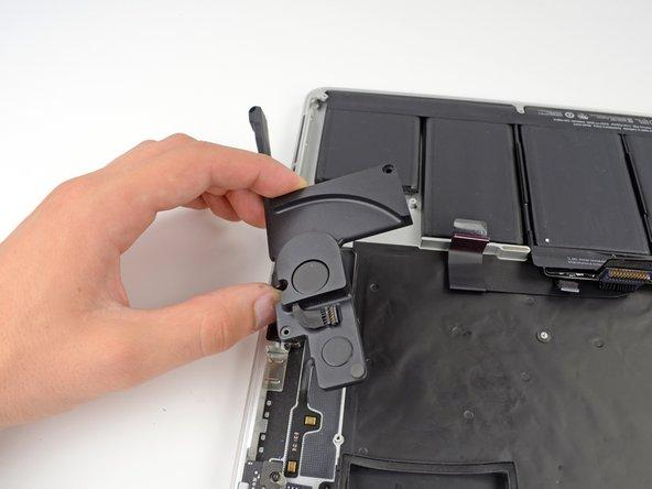 Une vis Torx T5 de 5,6 mm