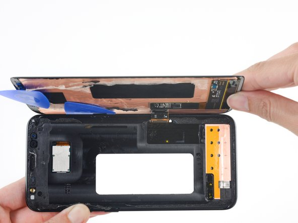 Image 1/3: Remove the screen assembly.