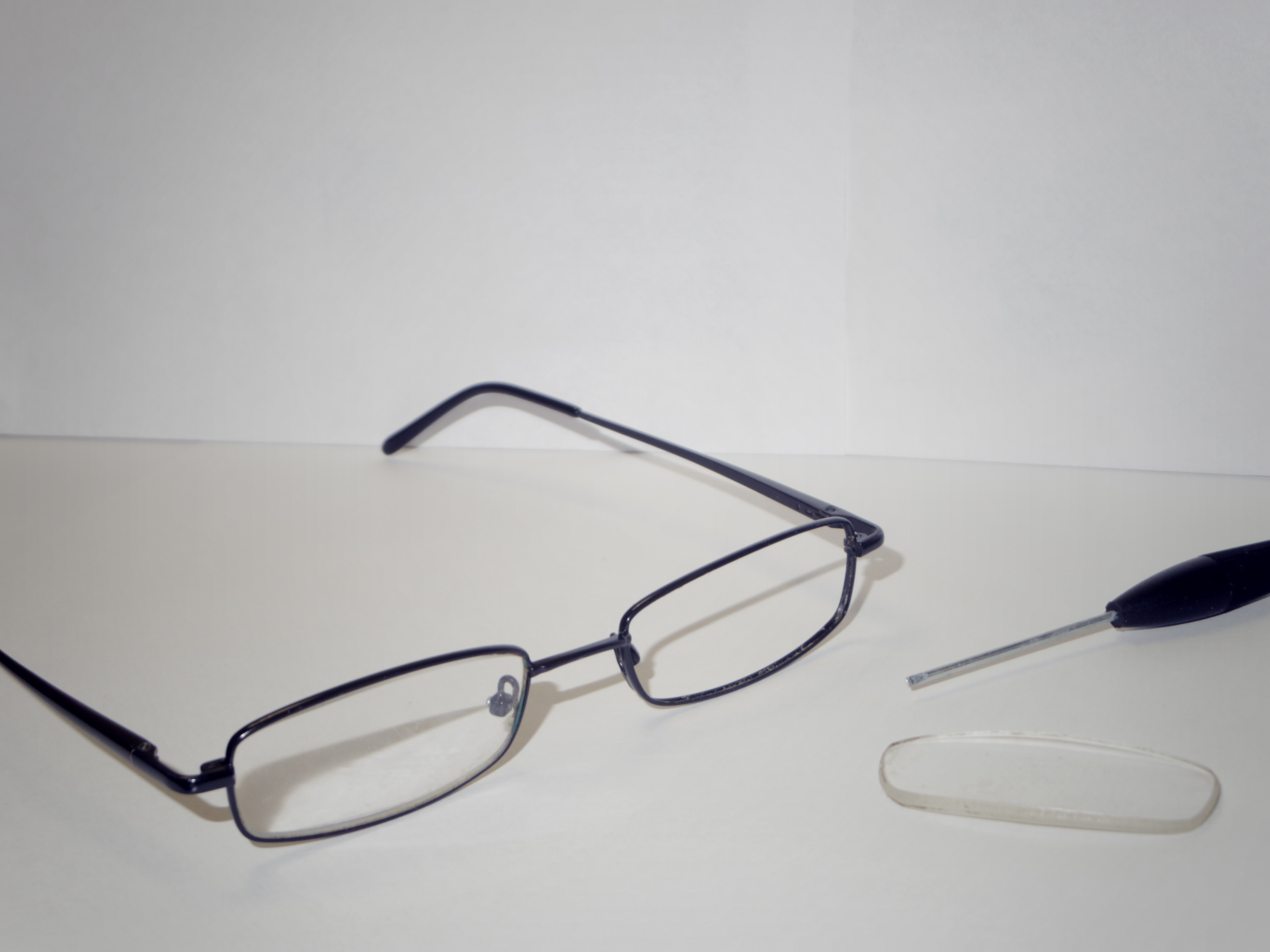 How to Replace Lens in Eyeglasses with Thin Metal Frames - iFixit ...