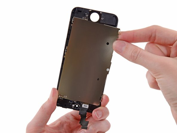 Rimuovi la piastra di schermatura dell'LCD dal gruppo display.