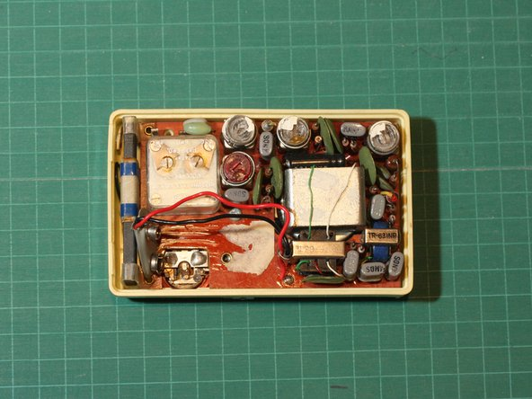 Sony transistor radio teardown