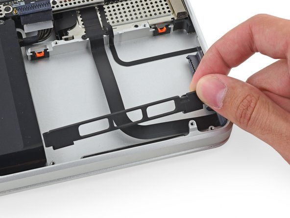 "MacBook Pro 17"" Unibody Hard Drive Bracket Replacement"