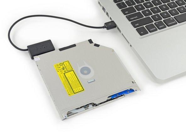 Branchez le connecteur USB sur votre ordinateur.
