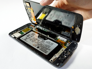 Motorola and iFixit—A Match Made in Mobile
