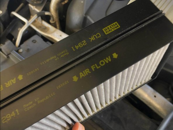 Pay attention to Air Flow indicator arrows when reinstalling the filters.