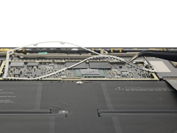 Here's one thing we're glad Microsoft didn't change: All the screws so far are just Torx. That was the previous Surface Pro's sole positive repairability point, and it's good to see it return.