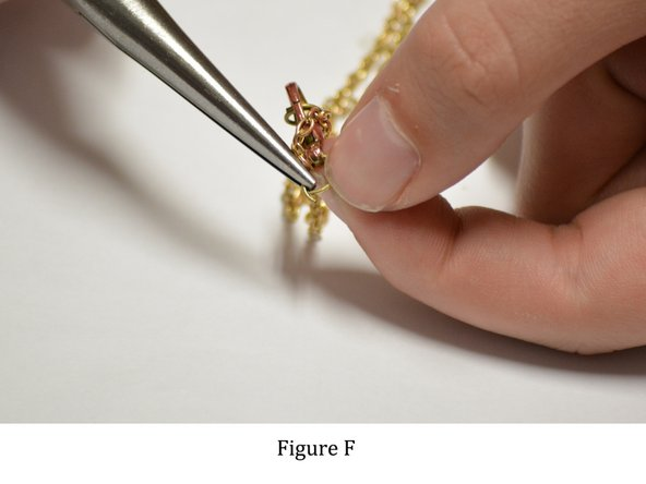 Image 1/1: Carefully close the opening of the jump ring.