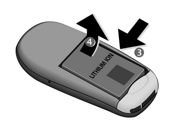 Éteignez le téléphone avant de retirer la batterie pour éviter tout dommage.