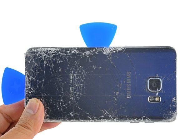 Repeat the previous heating and cutting procedure for the remaining three sides of the phone.