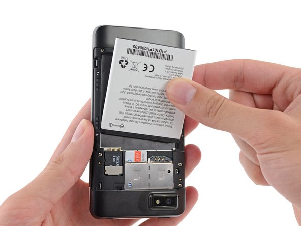 Remove the battery from your Fairphone.