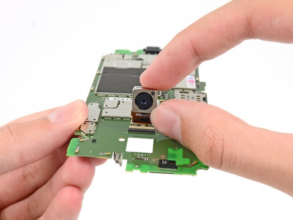 Before we can fully examine the motherboard, though, we must remove the 10 megapixel rear-facing camera.