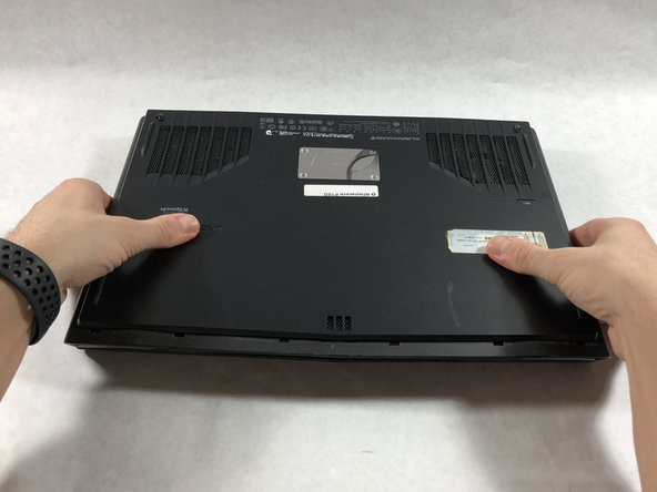 Alienware P18G M14X R1 Battery Replacement - iFixit Repair Guide