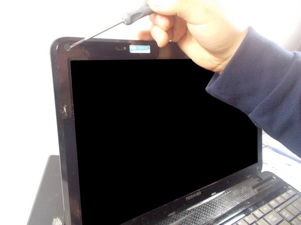 Toshiba Satellite L655D-S5095 Screen Replacement