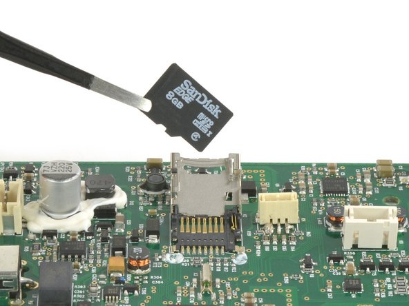 Texas Instruments C3200R1M2 microcontroller serving as CPU and WLAN Receiver
