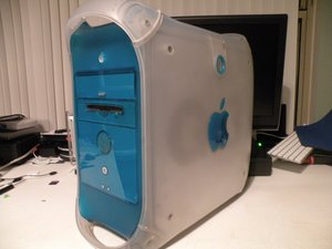 Power Macintosh G3 Azul y Blanco Desmontaje