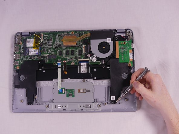 Remove the 4 Phillip 6.3 mm screws from both the right and left speakers using Phllips 1 screwdriver.