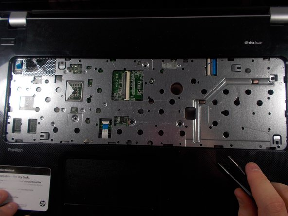 HP Pavilion 17 TS Front Cover Replacement