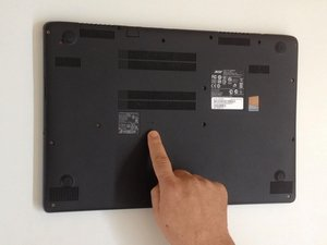 Acer Aspire V5-572 - Battery Reset Pinhole