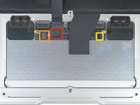"The trackpad features the same chips we found on the MacBook Air 13"":"