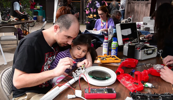 Volunteer fixers at the Palo Alto repair cafe