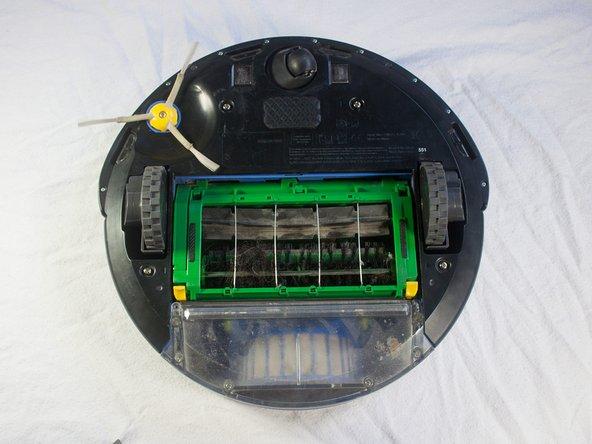 Disassembling iRobot Roomba 551 Bottom Plate
