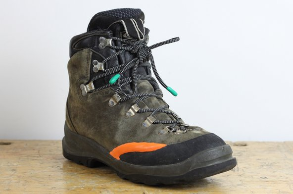 Boot repair using sugru