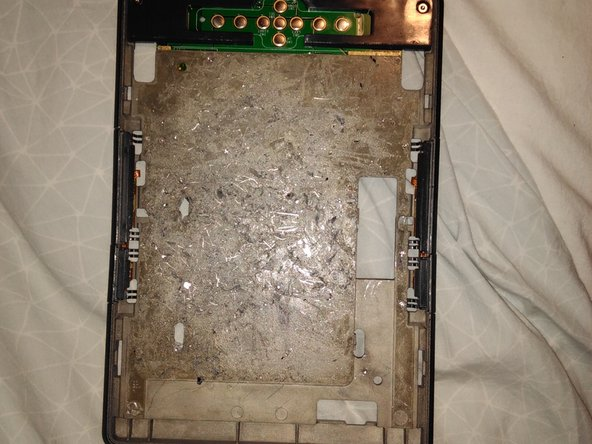 Image 1/1: The picture shows the bezel before glue removal. I forgot to take one after.