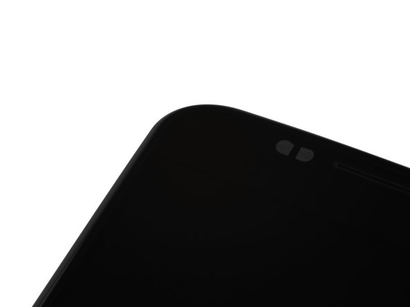 Image 2/2: [http://gigaom.com/2013/07/30/latest-moto-x-leak-surfaces-with-the-magic-glass-lens-frame/|Rumor has it|new_window=true] that there's some [http://youtu.be/NGFLZABNcJM?t=1m13s|magic in this] display glass, we don't see anything special, [http://d3nevzfk7ii3be.cloudfront.net/igi/sH5BZnn6T5qK253b|what do your elf eyes see|new_window=true]?