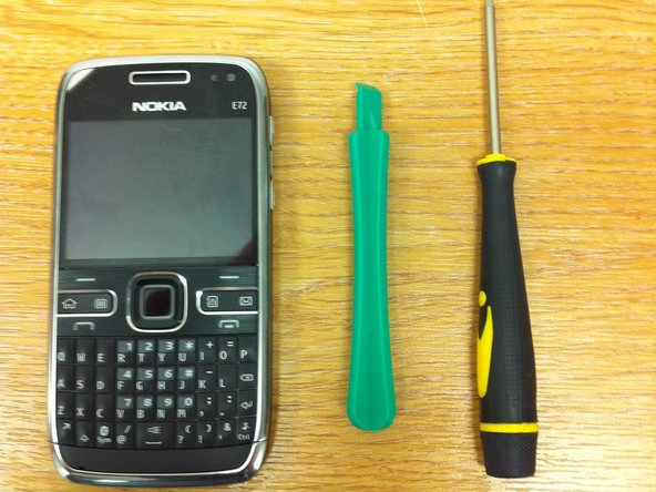 Disassembling Nokia E72