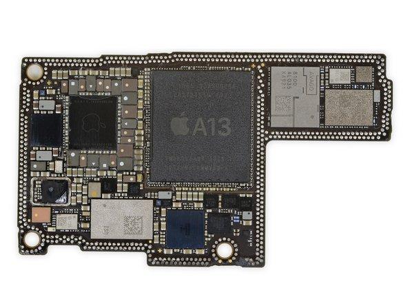 SK Hynix H9HKNNNCRMMVDR-NEH LPDDR4X 위에 깔려있는 Apple APL1W85 A13 Bionic SoC가 (약 4GB로 보이지만 SK Hynix는 디코더를 업데이트해야 함)