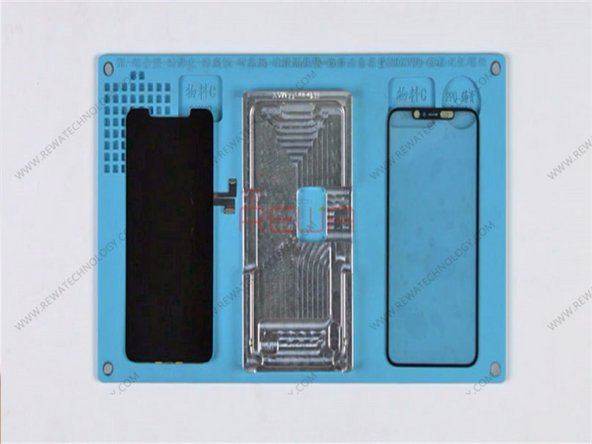 Place the OLED screen into the OLED aligning mold. Attach the OCA attached glass lens to the right position of the screen.