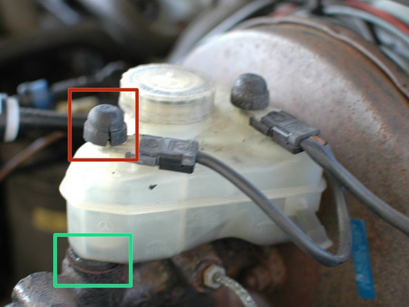 Image 2/3: The sensor float caps on top of the reservoir