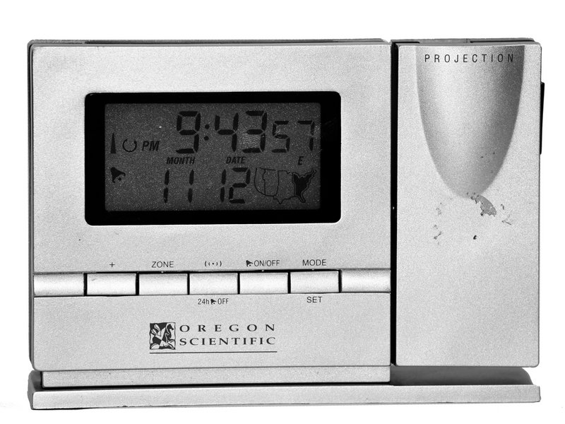 oregon scientific rm318pa repair ifixit rh ifixit com Ceiling Projection Clock Continuous Alarm Clock with Projection