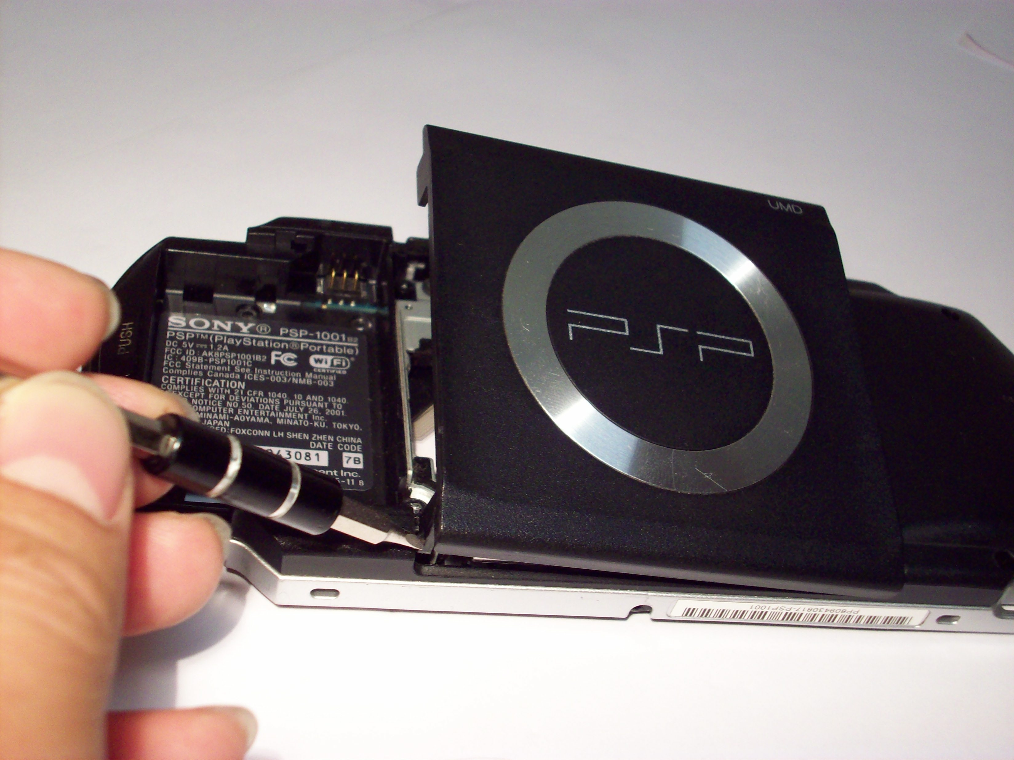 psp 1000 umd door replacement ifixit repair guide rh ifixit com sony psp 1003 user manual sony psp 1003 manual
