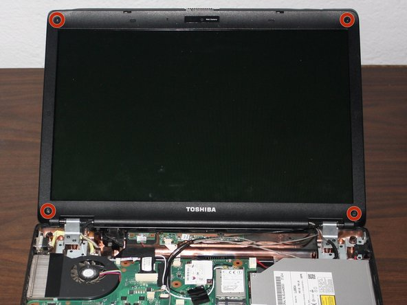 Toshiba Satellite L305D-S5950 LCD Screen Replacement
