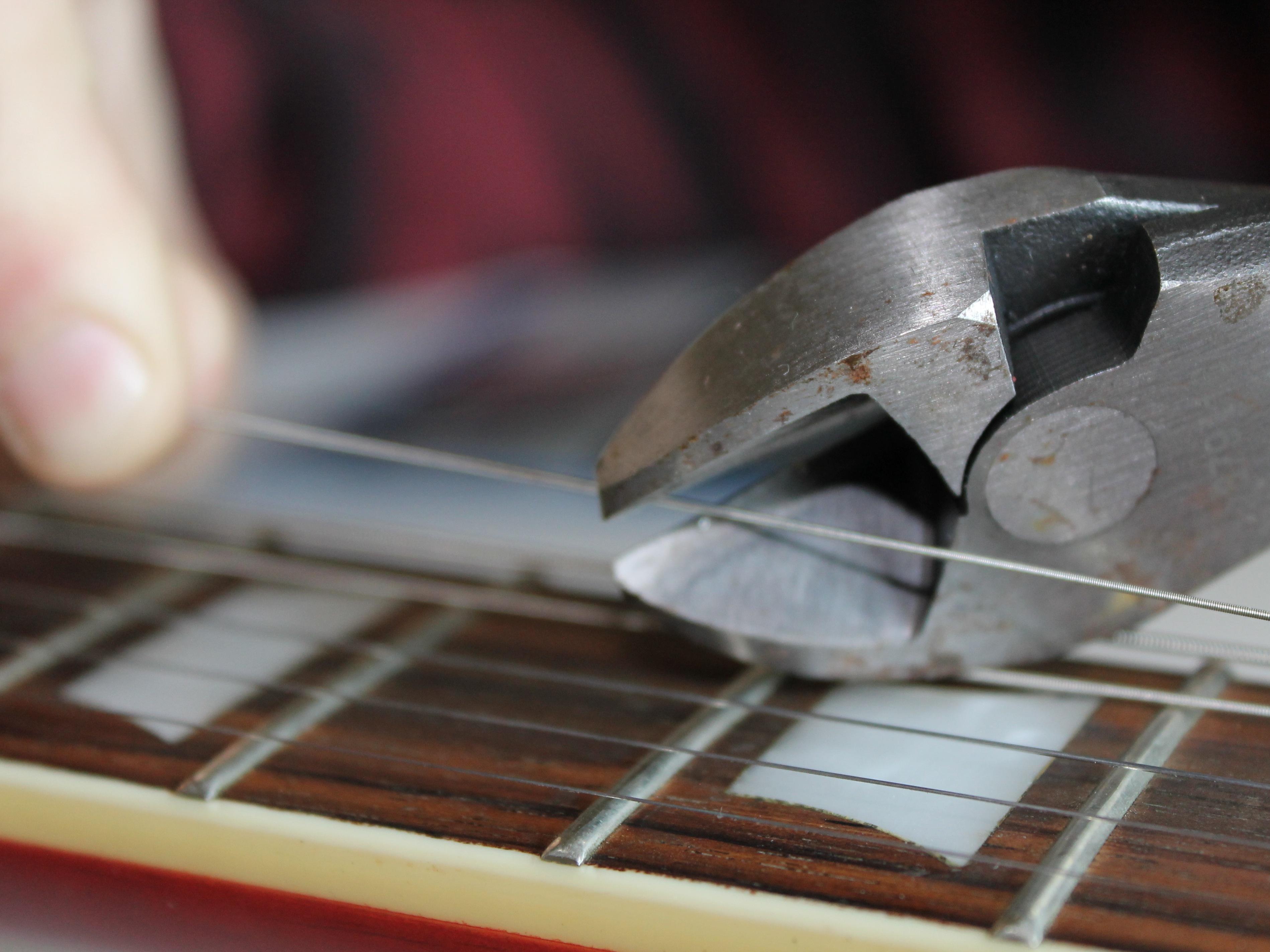 Les Paul Epiphone Guitar String Replacement - iFixit Repair Guide