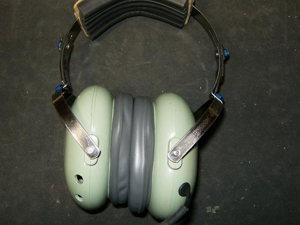 This is the headset that will get both domes replaced. This guide is for the right side dome only.