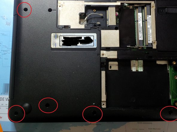 Now remove the 10 remaining case screws (M2.5x6.5).