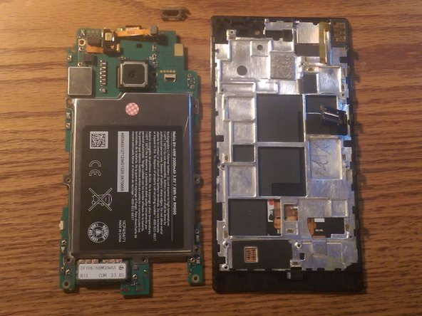 How to remove the motherboard on a  Nokia Lumia 928