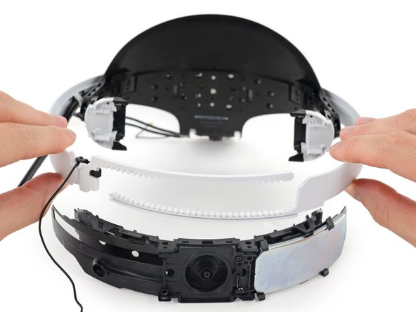 A locking mechanism built into the gear assembly prevents the band's adjustment from slipping while you're swinging your head around in the zone.