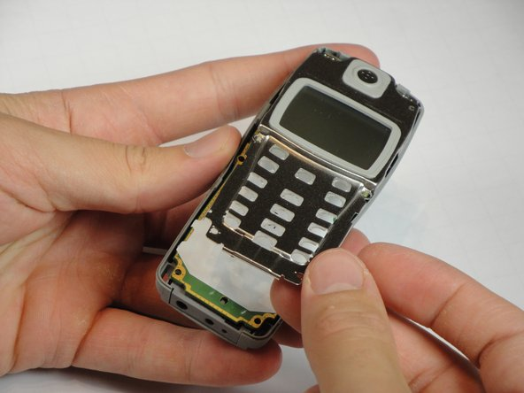 Disassembling Nokia 1100b RH-36