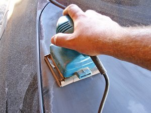 What Grit Sandpaper Should I Use Before Painting Car